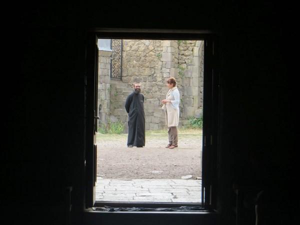 Настоятель в монастыре Татев (фото Сердюченко Ксении)