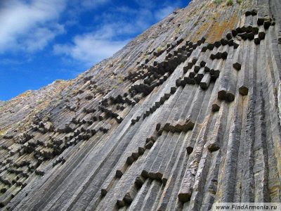 Симфония Камней в ущелье реки Азат