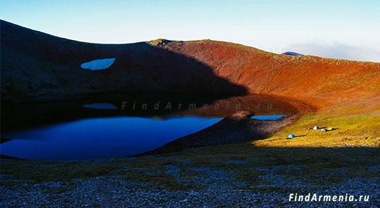 В кратере горы Аждаак
