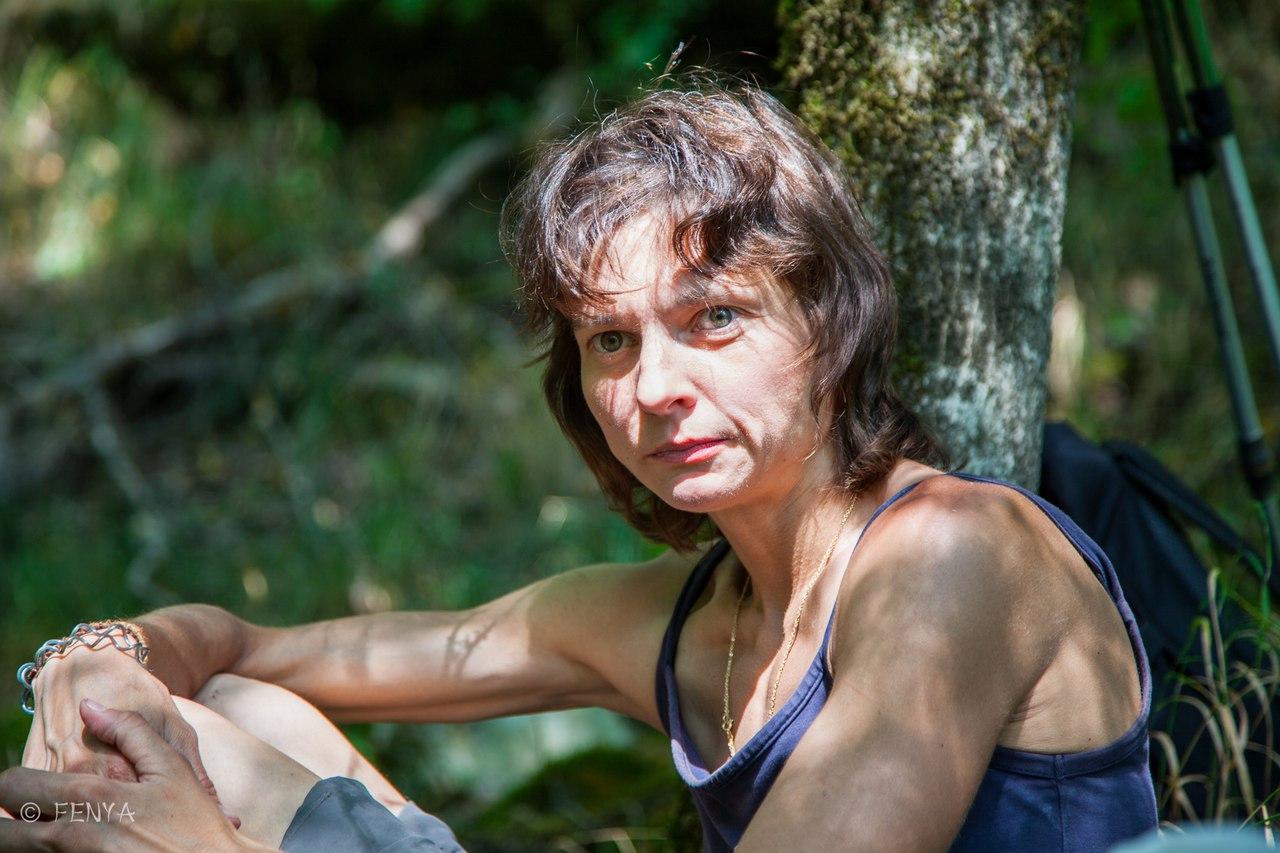 Наташа - любительница живности №1… даже комаров убивает в самом крайнем случае :)