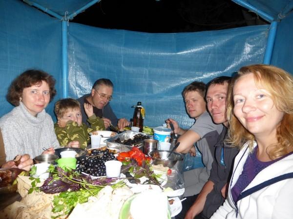 Ужин на Севане (фото Бурдиной Ольги)