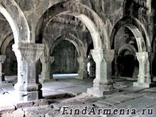 Притвор в Санаинском монастыре