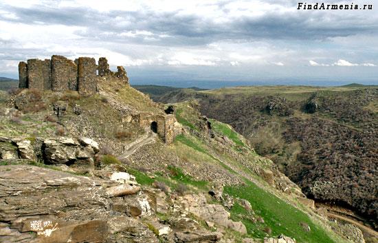 Крепость Амберд (VII в.)