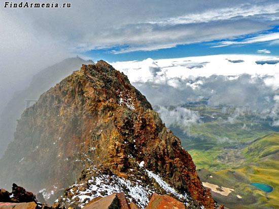 Северная вершина Горы Арагац