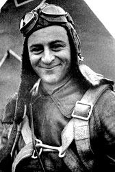 Дважды герой Советского Союза летчик Нельсон Степанян