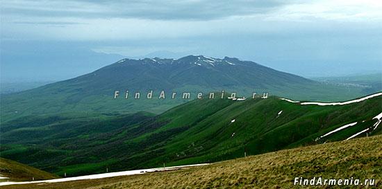 Гора Аралер
