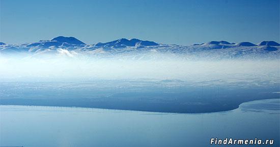 Озеро Севан и Гегамский хребет