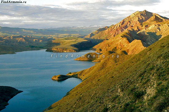 Гора Еранос и Азатское водохранилище