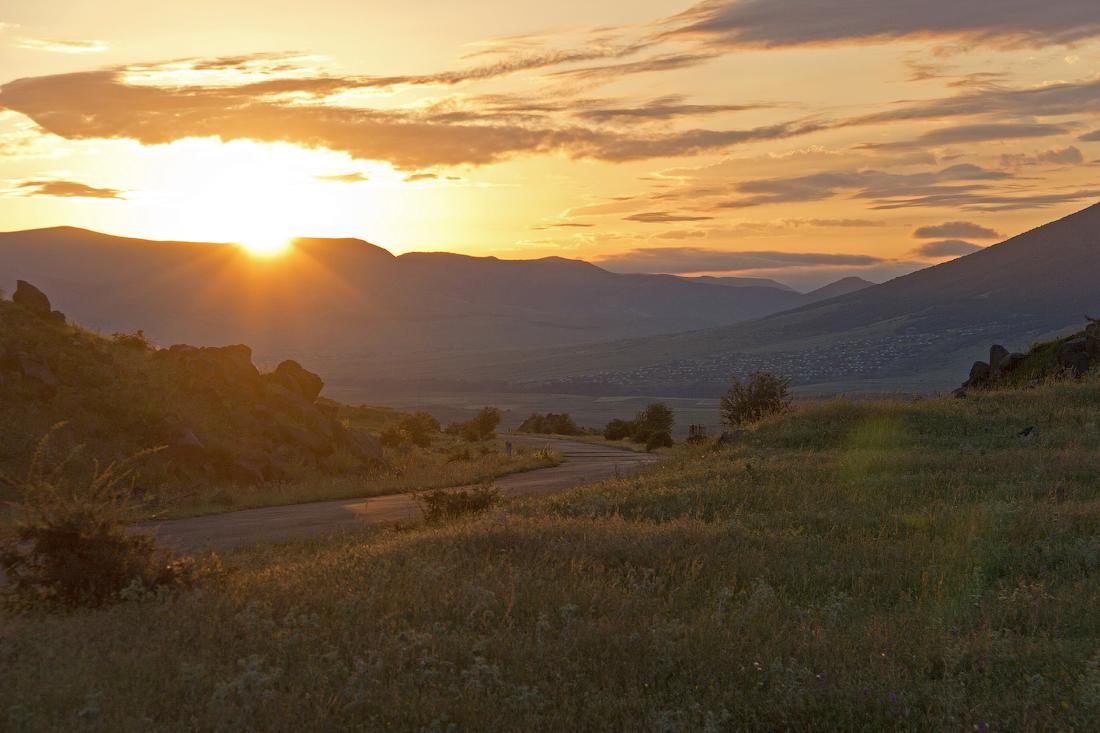 простые прически рассвет в армении картинка видите